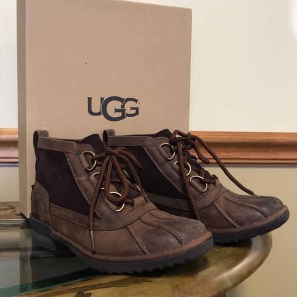 6b55cf89eb4 Ugg Heather Boot size 6